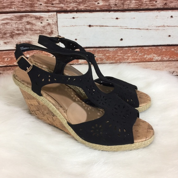 6cd9a1a4f9 Anthropologie Seychelles T Strap Wedge Suede 8. M_5a9cfd329a94554642631e82